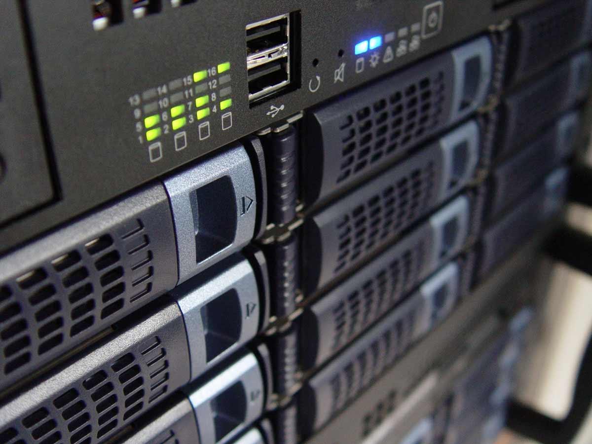 Cómo elegir el mejor hosting web para tu negocio online